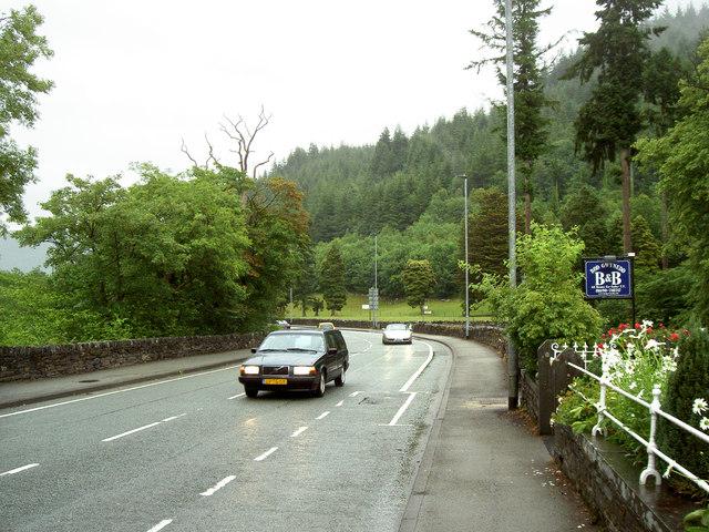 The road down into Betws-y-coed