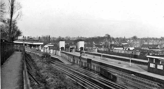 Bushey & Oxhey Station