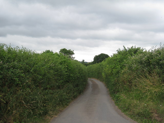 Narrow lane leads to Drinkers End