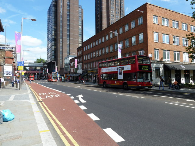 Buses in Waterloo Road