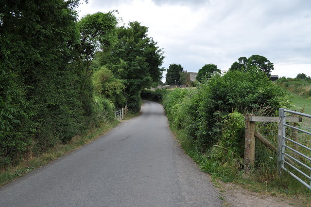 Looking along Sedbury Lane from Snipehill bridge