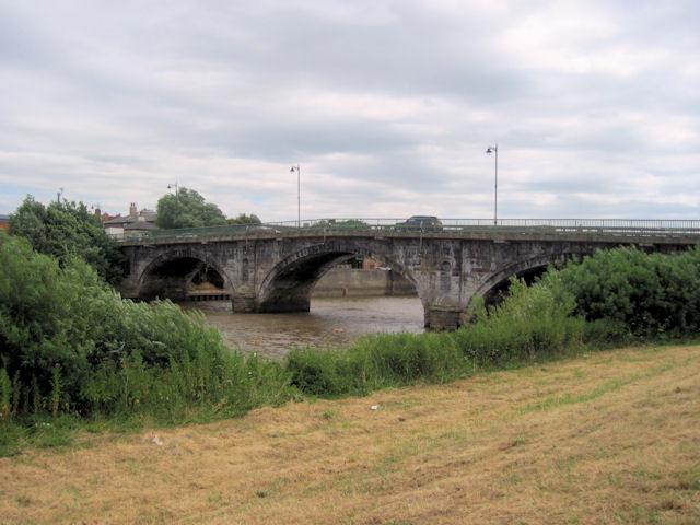 A631 bridge over River Trent at Trent Port Pub