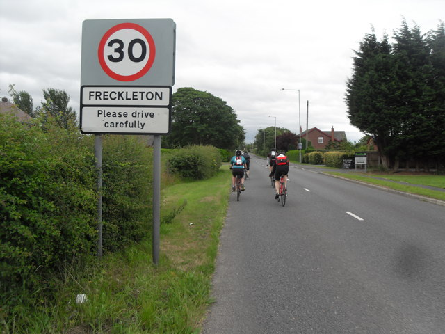Entering Freckleton via Kirkham Road
