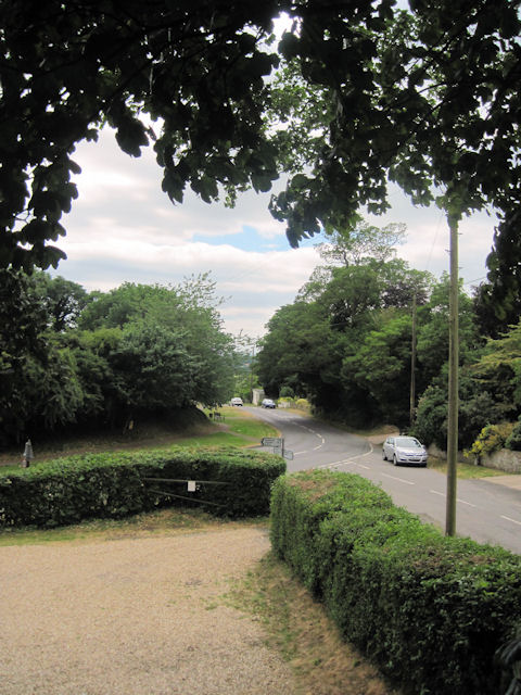 Rasen road from churchyard