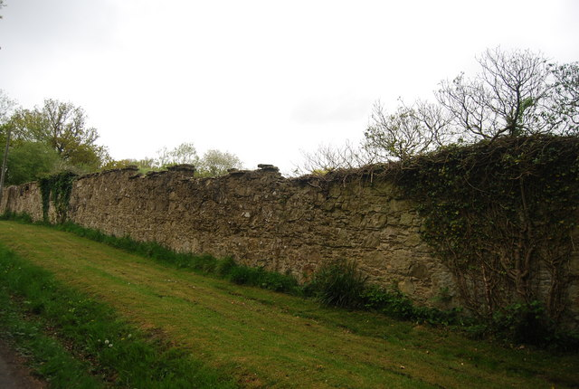 Sandstone Wall, Broadhurst Manor