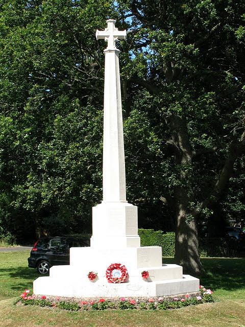 Leigh village war memorial