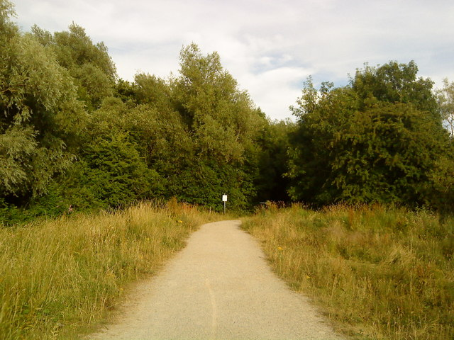 Footpath through Attenborough nature reserve