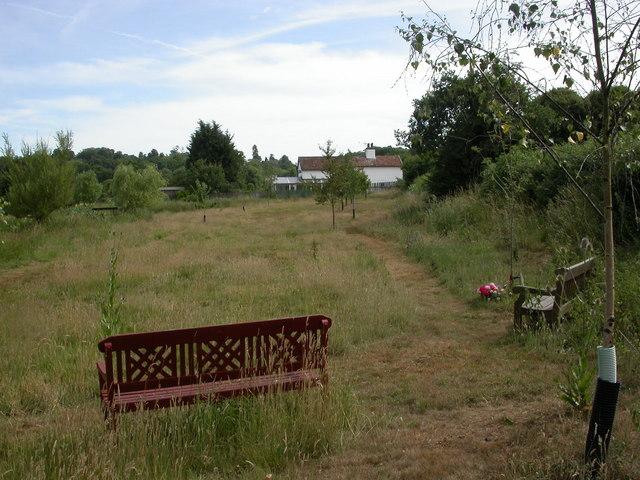 Corfe Mullen, garden of remembrance