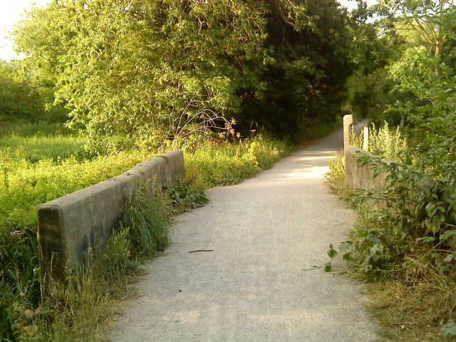 Bridge on the footpath along the River Trent