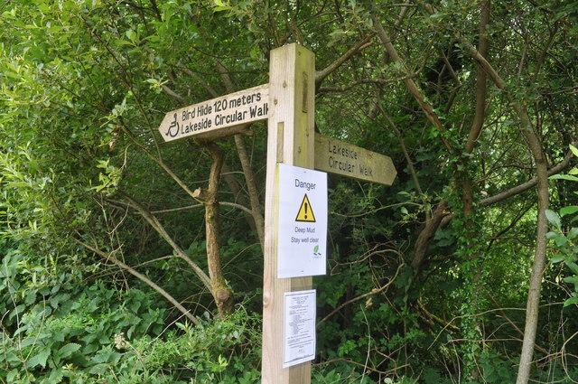 Exmoor : Wimbleball Lake - Signpost