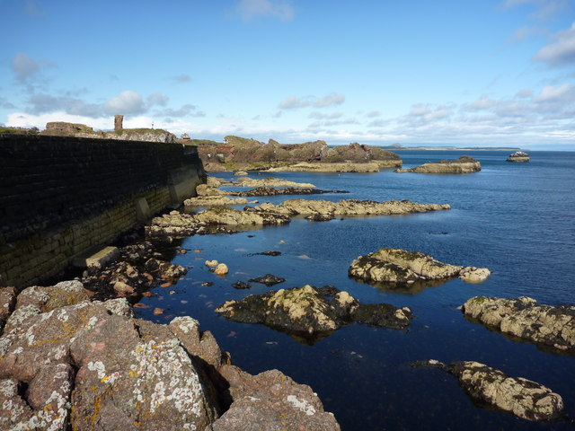 Victoria Harbour, Dunbar : The Other Side of the Wall
