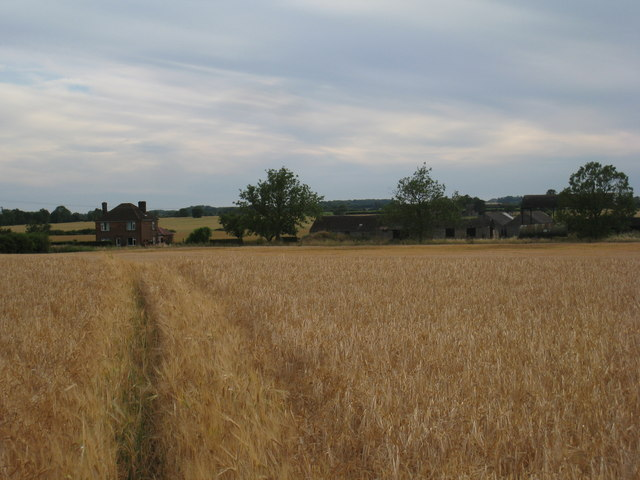 Footpath to New Holmes Farm