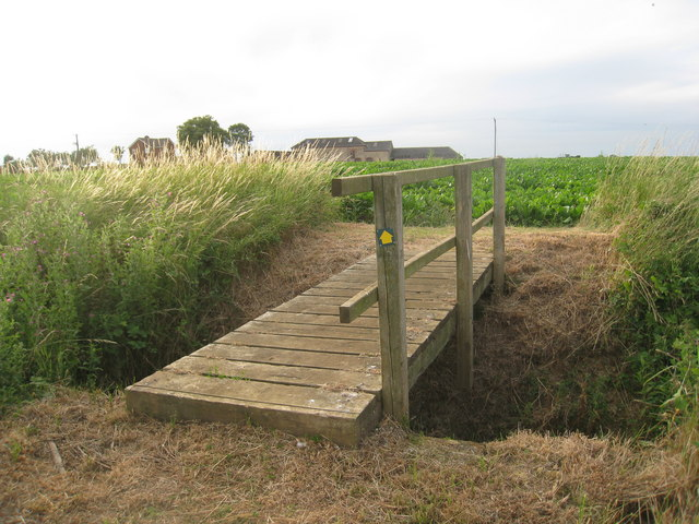 Footbridge near Mount Pleasant Farm