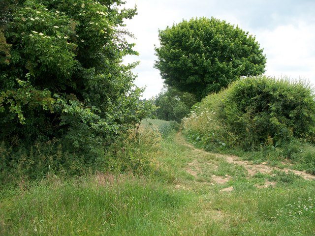 Footpath to Chipping Norton