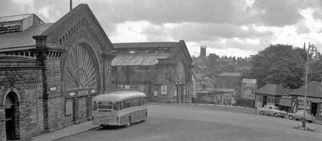 Buxton Stations, entrance