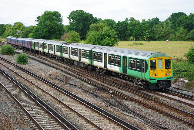 Bedford-Brighton service approaches Gatwick Airport