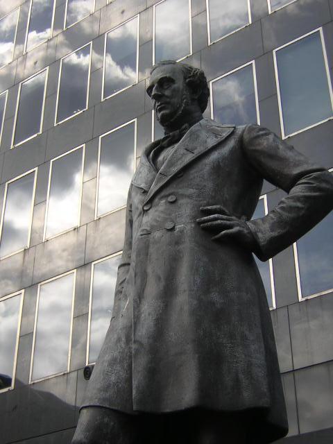 Robert Stephenson statue, Euston station forecourt