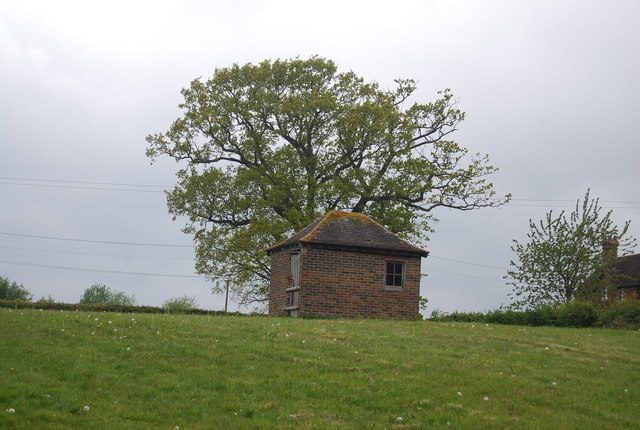 A dovecot or a shed? Tanyards