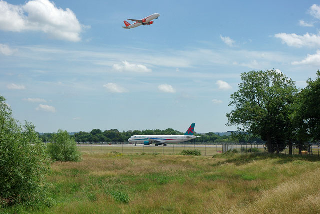Taking off and landing, Gatwick Airport