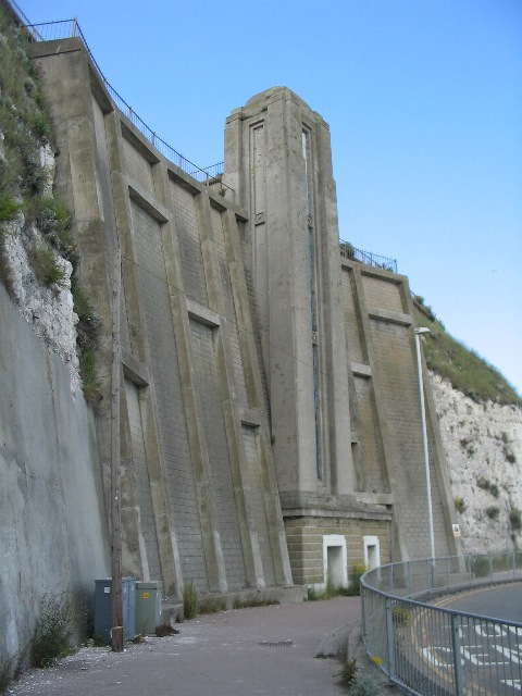 Lift from Royal Esplanade to Western Undercliff