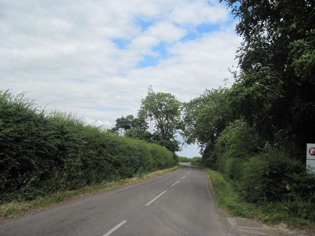 Road to Cuxwold at feather Farm entrance