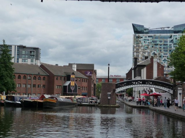 New and a bit of old at Gas Street Basin
