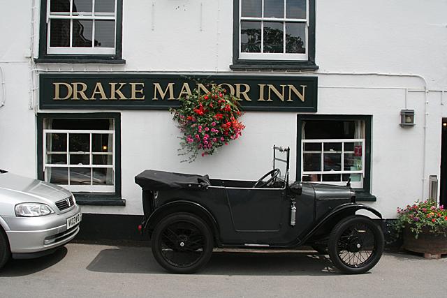 Buckland Monachorum: Drake Manor Inn