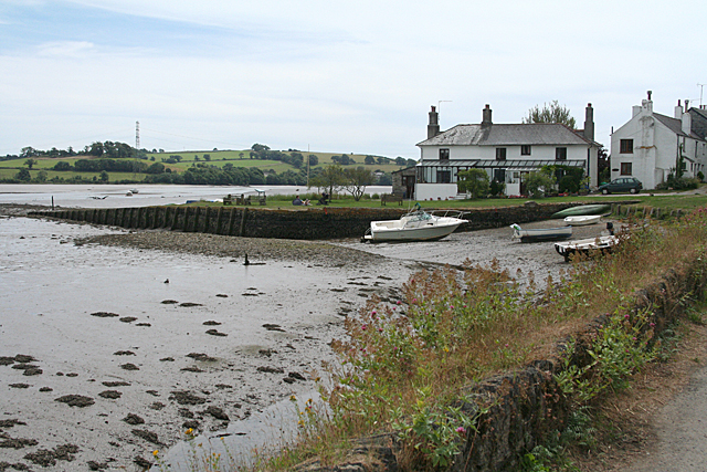 Bere Ferrers: towards the old quay