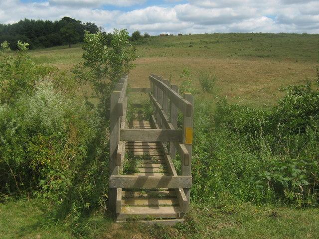 Footbridge near Cadehill Wood