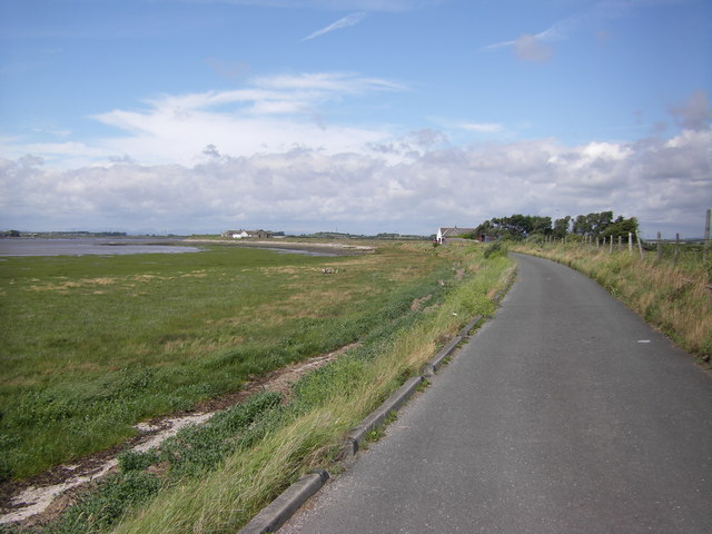 Lancashire Coastal Way looking towards Crook Cottage