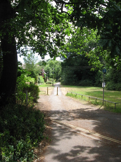 Path continuing from Highfield Road, Southampton