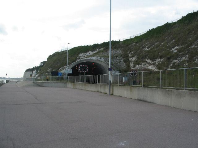 Tunnel entrance, Western Undercliff