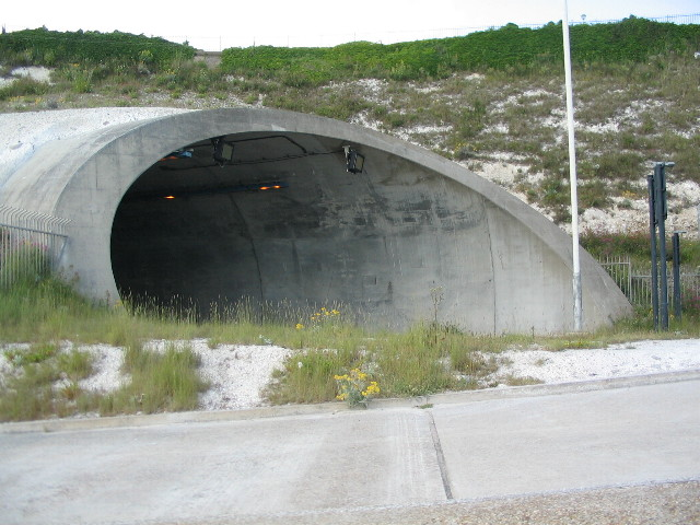 Tunnel entrance, Western Undercliff
