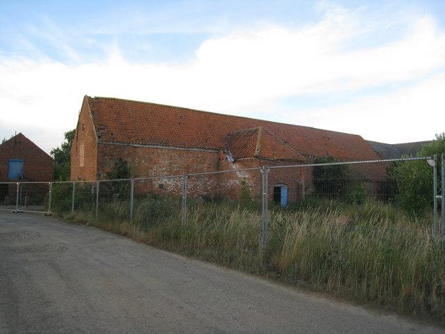 Derelict farm buildings, Pyewipe Farm