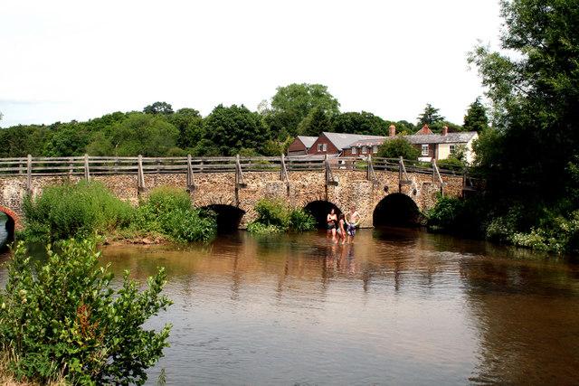 Tilford, Surrey:  River Wey and bridge