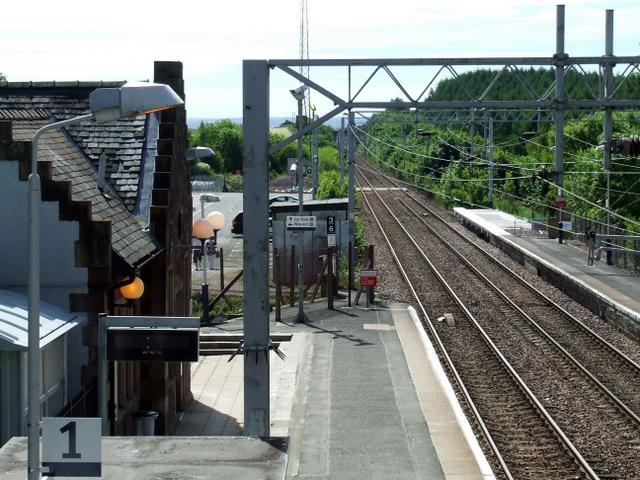 Platform extension work at Bishopton