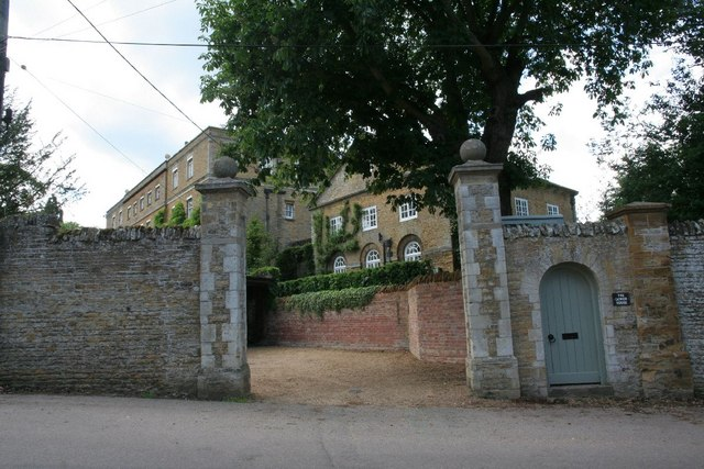 Side gates to the school
