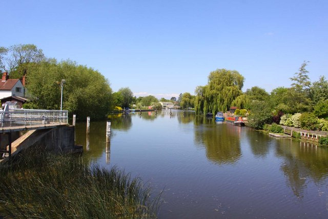 The Thames by Benson Lock