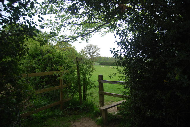Stile near Tanyard, Horsted Lane