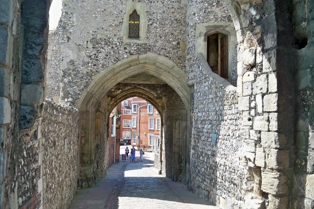 Gatehouse - Lewes Castle