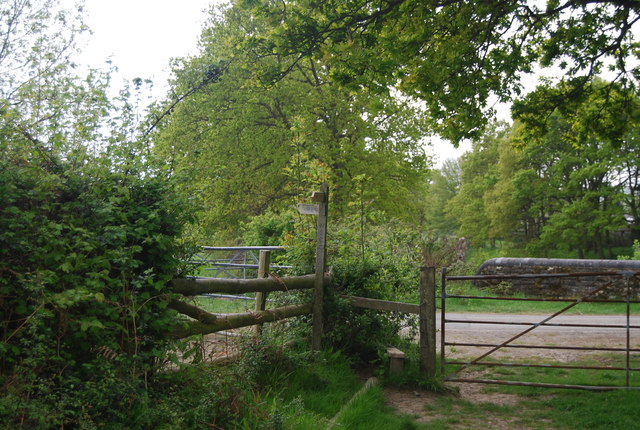 Stile approaching a bridge over the railway line