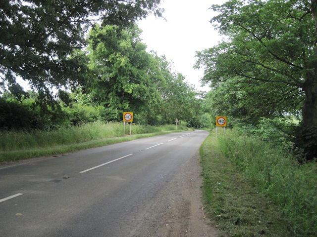 B1203 Road into East Ravendale from the A18