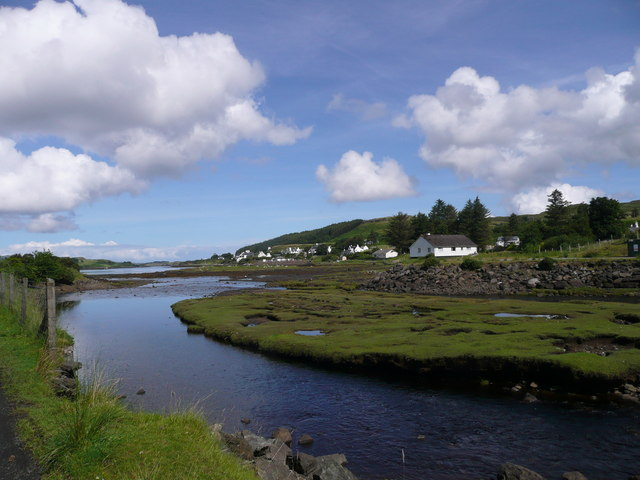 Estuary of the Abhainn an Lòin Mhòir entering Loch Dunvegan