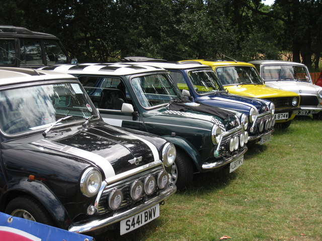 Mini's at Darling Buds Classic Car Show