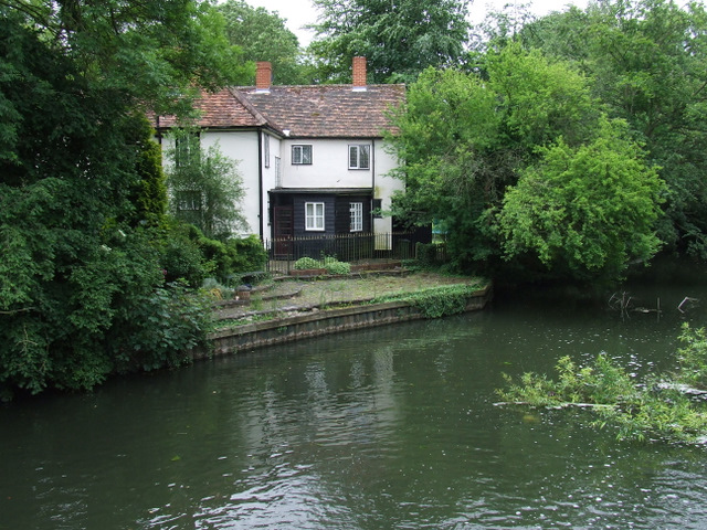 Building at Sheering Mill Lock
