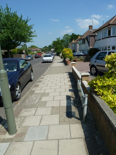 Pavement in Shepperton Road