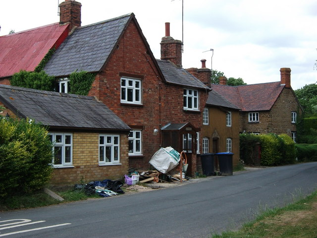 Cottages opposite Priors Hardwick church