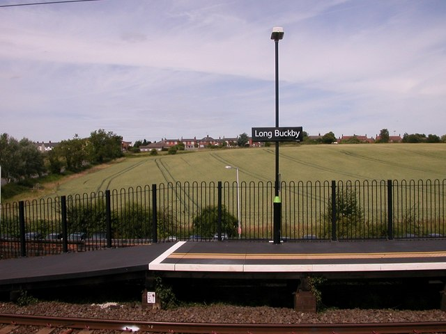 Long Buckby Station