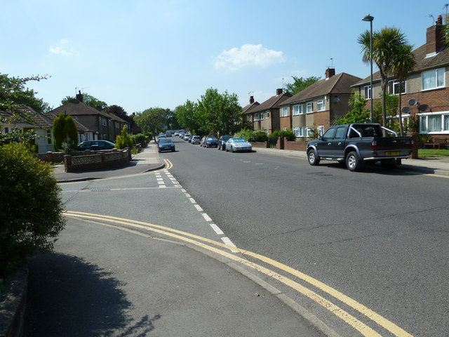 Looking westwards in Shepperton Road