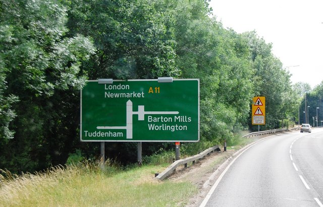 Roadsign on the A11 near Barton Mills